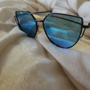 Accessories - NEW Sunglasses